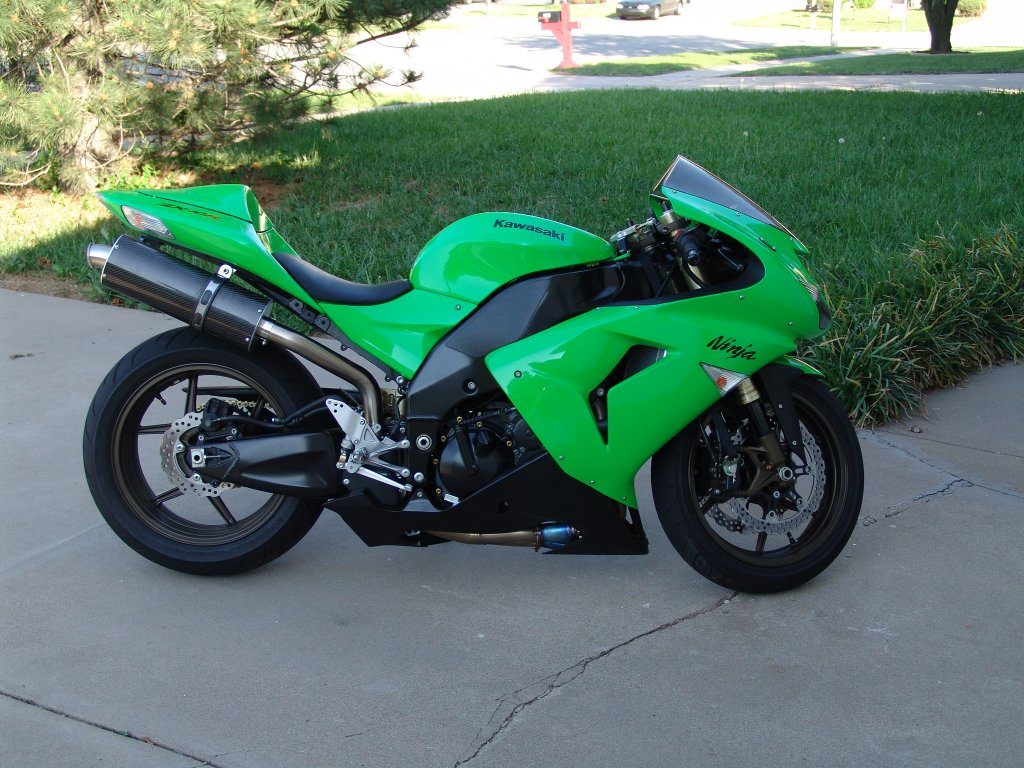 kawasaki zx 10r slip on exhaust area p no limits. Black Bedroom Furniture Sets. Home Design Ideas